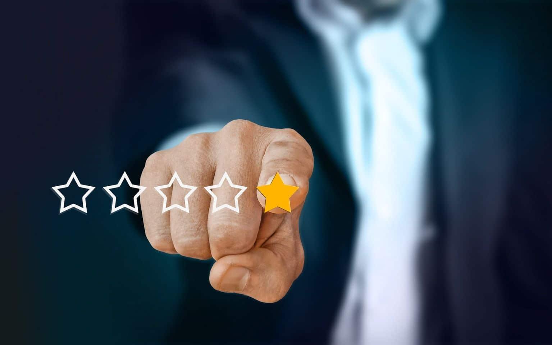 screditamento degli ecommerce con recensioni false