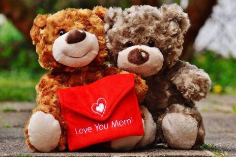 Dove trovare il regalo per la festa della Mamma?5 negozi online che ti consigliamo per il regalo perfetto